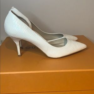 Worn once white ALDO kitten heels